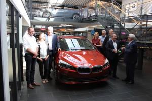 Übergabe eines BMW 225xe Hybrid Active Tourer an die BBS Lahnstein